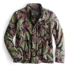 Crew Broadmoor quilted jacket in camo.for some ridiculous reason, I like this. Jcrew Gifts, World Of Fashion, Mens Fashion, Stylish Hoodies, Mein Style, J Crew Men, Quilted Jacket, Winter Wear, What To Wear