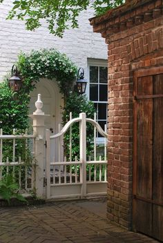 Love the lanterns & archway. Could use this idea with a solid gate for a secret garden entrance. Garden Gates And Fencing, Fence Gate, Tor Design, Gate Design, Exterior Design, Interior And Exterior, Garage Exterior, Outdoor Spaces, Outdoor Living