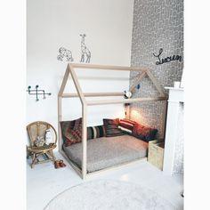 Kids room. Coussins kilim. Instagram erica_joli_jaune. Photo : erica_joli_jaune