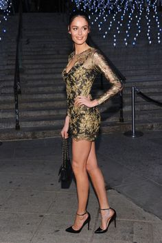And the award for most amazing legs in the world goes to ... Nicole Trunfio #jawdrop