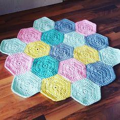 #penyeippaspas #babyroom #teppich #stricken #häkeln #crochet #hanmade #handgemacht #selbstgemacht #baby