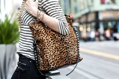 mix it up // striped top // leopard print handbag Leopard Tote, Cheetah, Simple Style, Cool Style, My Style, Beauty Style, Fashion Beauty, Beautiful Outfits, Cute Outfits
