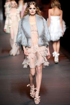 Christian Dior Fall 2011 Ready-to-Wear Fashion Show - Constance Jablonski (Viva)