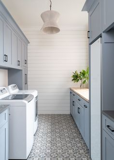 Are you tired and fed up with your messy laundry room? Doing laundry is a hard enough chore as it is. Doing it in a messy Laundry Room Remodel, Laundry Room Cabinets, Mudroom Laundry Room, Blue Cabinets, Laundry Room Design, Laundry In Bathroom, Laundry Storage, Laundry Decor, Farmhouse Laundry Room