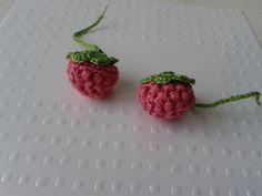 Comme promis là voici le tuto pour réaliser 1 framboise au crochet : TUTO : clic clic Bon crochet !