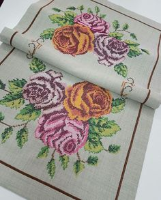 Cross Stitch Flowers, Coin Purse, Beads, Instagram Posts, Painting, Cross Stitch Embroidery, Roses, Dots, Cross Stitch
