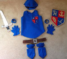 Handmade by Linds…Introducing the offspring: Mike the Knight handmade costume - Christmas Deesserts Diy Knight Costume, Family Costumes, Diy Costumes, Halloween Costumes, Fancy Dress For Kids, Kids Dress Up, Knight Outfit, Mike The Knight, Ideas Party