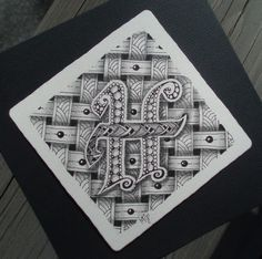 The 'H' in the center is really neat, I might have to try doing this with one of my initials sometime.