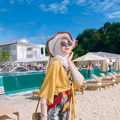 Source by hijab Source by mariaadeckerus outfits casual Modest Dresses Casual, Casual Hijab Outfit, Ootd Hijab, Hijabi Girl, Girl Hijab, Muslim Girls, Muslim Women, Hijab Hipster, Hijab Fashion Summer
