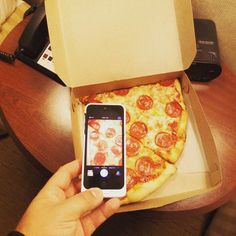 I miss New York #fcf #foodcrushfriday #pizza #newyork #newyorkpizza #pepperoni #pepperonipizza #yum #food #foodporn