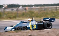 変な形のレーシングカーの画像:ハムスター速報