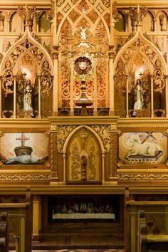 Altar da capela do santíssimo da Basílica do Embaré, construída e idealizada por Danilo Brás em 2001