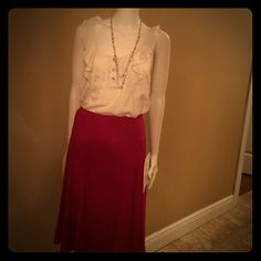 Red skirt Cute flowy skirt fun for work and so comfy! True to size never been worn! Skirts Circle & Skater