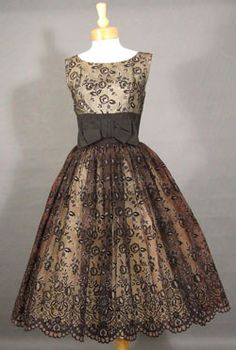 56b4c2c30a Love this! Vintage Gowns