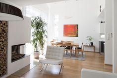 Kivitalot | TaloTalo | Rakentaminen | Remontointi | Sisustaminen | Suunnittelu | Saneeraus #kivitalo #ruokailutila #tulisija #stonehouse #diningroom #fireplace #talotalo
