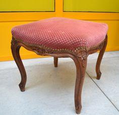 Sgabello imbottito provenzale in stile Rocaille