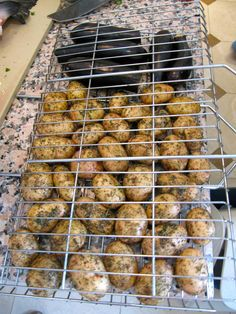 Potatoes and Eggplant Asian Bbq, Kinds Of Soup, Plain Yogurt, Russian Recipes, Eggplant, A Food, Veggies, Potatoes, Dishes
