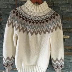 1806-1 Kathrine Genser Pullover, Sweaters, Fashion, Moda, Fashion Styles, Sweater, Fashion Illustrations, Sweatshirts, Pullover Sweaters