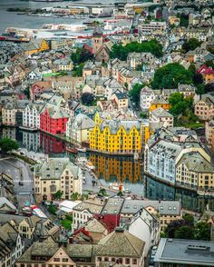 Travel The World Destinations Vacations Places To Travel, Places To See, Travel Destinations, Lofoten, Norway Sweden Finland, Beautiful Norway, Alesund, Scandinavian Countries, Fjord