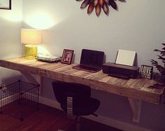 Beautiful Reclaimed Pallet Wood Desk by LostDogWoodworks on Etsy