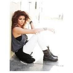 Tori Kelly. Beautiful voice. Great writer. Going places.