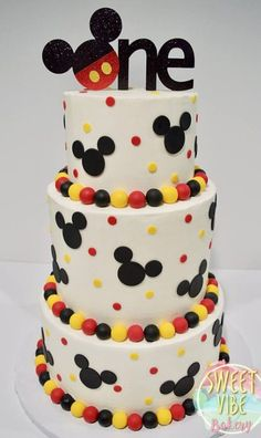 Mickey Mouse First Birthday cake . Mickey mouse birthday cake recipes mickey mouse cake pan how to make a mickey mouse birthday Bolo Do Mickey Mouse, Festa Mickey Baby, Mickey Mouse Cake Topper, Fiesta Mickey Mouse, Mickey Mouse Parties, Disney Parties, Mickey Party, Mickey And Minnie Cake, Mickey Mouse Birthday Party Ideas