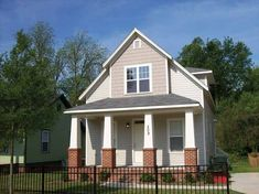 Bungalow House Plan with 1184 Square Feet and 3 Bedrooms from Dream Home Source | House Plan Code DHSW75348