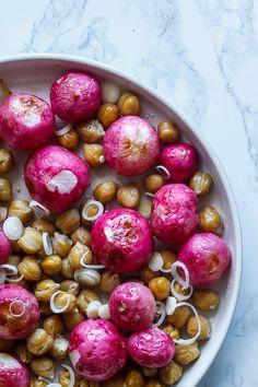bagte radiser - opskrift med radiser og kikærter - salat