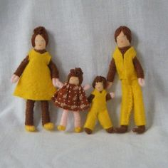 Dollhouse Miniature HANDMADE HALF PENNY POCKET DOLL FAMILY