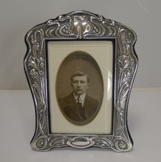 Antiques Atlas - Superb Silver Art Nouveau Photograph Frame - 1903 Art Nouveau, Art Deco, Vintage Picture Frames, Antique Frames, Asymmetrical Design, Photos, Pictures, Gallery Wall, Photograph