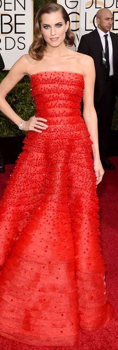 Who made Allison Williams' red strapless gown that she wore to the 2015 Golden Globes?