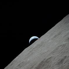 Apollo 17, Earthrise over Moon