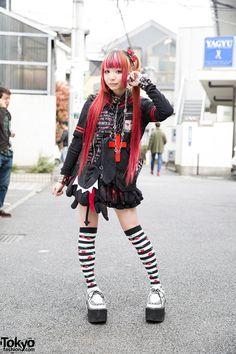 Morinoringo w/ Twintails, Sex Pot Revenge, MAD, h.NAOTO & Yosuke USA in Harjauku (Tokyo Fashion, omg I'm so in love with that look Japan Street Fashion, Tokyo Street Style, Tokyo Fashion, Harajuku Fashion, Kawaii Fashion, Punk Fashion, Lolita Fashion, New Fashion, Fashion 2015