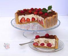 Erdbeertiramisu Torte (...und was mich sonst noch glücklich macht)