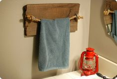 22. DIY Rustic Towel Bar Towel Holder Bathroom, Bathroom Towels, Art Corde, Do It Yourself Furniture, Rustic Bathrooms, Diy Home Decor Projects, Rustic Design, Modern, Shabby Chic
