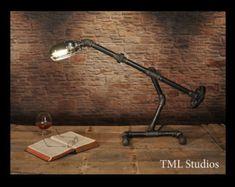 Genesis Industrial Steampunk Chandelier Beer Bottle di TMLStudios