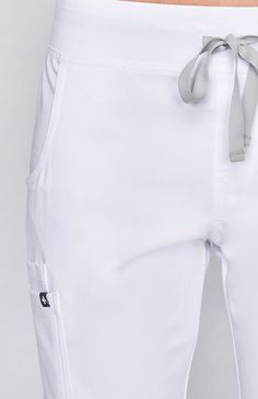 Inspired by yoga apparel, these women's Kade cargo scrub pants are stylish, flexible, and comfy. Part of FIGS' Technical collection of tailored-fit scrubs. Dental Uniforms, Housekeeping Uniform, Scrubs Uniform, Diy Couture, Medical Scrubs, Scrub Pants, Scrub Tops, Womens Fashion For Work, White Shorts