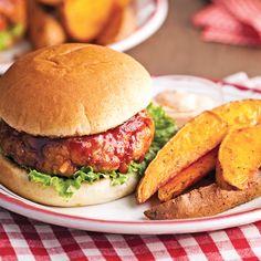 Burgers de porc au bon goût de côtes levées - Je Cuisine Burger Co, Pain Burger, Good Food, Yummy Food, Wrap Sandwiches, Pork Recipes, Yummy Recipes, Recipies, Fajitas