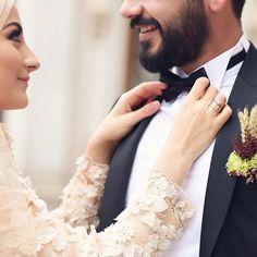 dresses hijab muslim couples photo ideas Best Wedding Dresses Hijab Muslim Couples The Bride Ideas Wedding Picture Poses, Wedding Couple Photos, Wedding Dresses Photos, Wedding Poses, Wedding Photoshoot, Wedding Couples, Wedding Couple Poses Photography, Couple Photoshoot Poses, Wedding Photography Inspiration