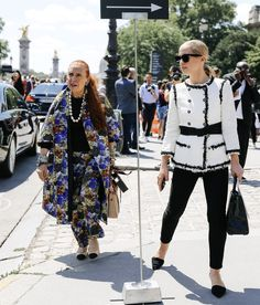 Danielle Steel and Victoria Traina in Chanel Couture fashion week Paris 2017 Chanel Couture, Couture Fashion, Fashion Bible, Danielle Steel, Paris Shows, Couture Week, Street Style Looks, Style Icons, Evening Gowns