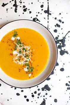 Mrkvová polévka se zázvorem a červenou čočkou Thai Red Curry, Food And Drink, Ethnic Recipes, Asia