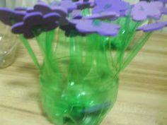 Vaso decorado feito de garrafa PET