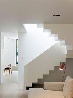Little White House - London / United Kingdom / Project authors: Stiff + Trevillion Architects Minimalist Architecture, Architecture Details, Interior Architecture, Interior Stairs, Home Interior, Interior Design, White Staircase, Staircase Design, Stair Design