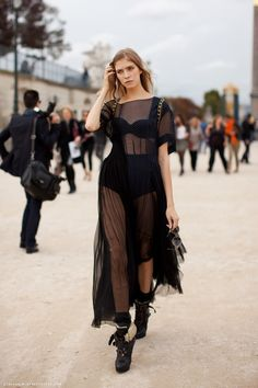 Ladies Streetstyle, Womenswear. Paris Fashion week. Elena Perminova. #pfw