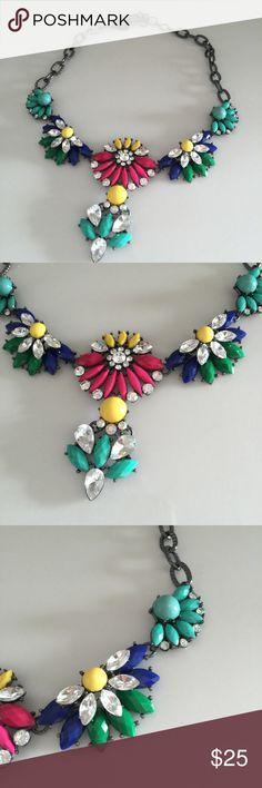 "Delightful Amrita Singh statement necklace Like new. Super lightweight. Adjustable 15""-19"" Amrita Singh Jewelry Necklaces"
