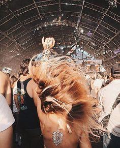 The Best Street Style of Coachella 2018 (So Far)! Festival Looks, Rave Festival, Festival Party, Festival Outfits, Festival Fashion, Festival Gear, Concert Outfits, Lollapalooza, Edm