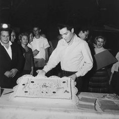 Happy birthday, Elvis! #elvis #originalcool #chuckabillyrules Celebrate while listening to some of my favorite Elvis tracks: https://open.spotify.com/user/1233339027/playlist/7HOml44ZUdFV7D6XWw8swm