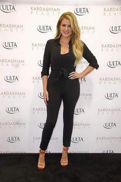 fec3ea6bcead Khloe Kardashian wearing Sydney Evans Large Love Necklace
