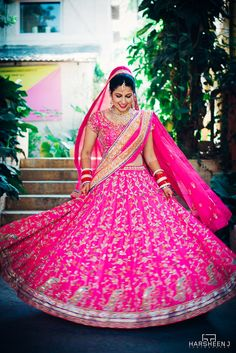 Don't Want A Red Wedding Lehenga? Here are 12 Brides Who Chose Offbeat Colours! Red Wedding Lehenga, Pink Lehenga, Bridal Lehenga Choli, Traditional Wedding Dresses, Traditional Outfits, Indian Dresses, Indian Outfits, Le Hangar, Bridal Lehenga Collection