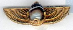 """Scarabée en agate bandée """"egyptian revival"""" ca. 1880 sur or 18cts"""